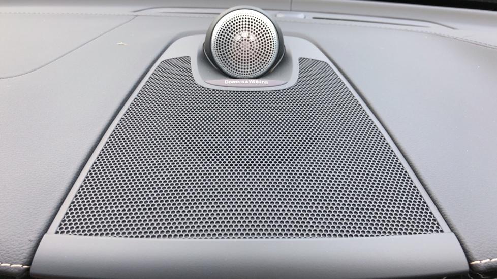 Volvo XC60 B4D Mild Hybrid Inscription Pro AWD AT, IntelliPro & Xenium Pks, B & W Audio, 22 Inch Alloys image 7