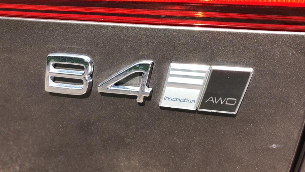 Volvo XC60 B4D Mild Hybrid Inscription Pro AWD AT, IntelliPro & Xenium Pks, B & W Audio, 22 Inch Alloys image 39