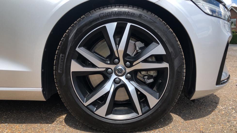 Volvo S60 T5 R Design Plus Auto, Winter Pack, Active Bending Headlights, Nav, F & R Sensors image 12
