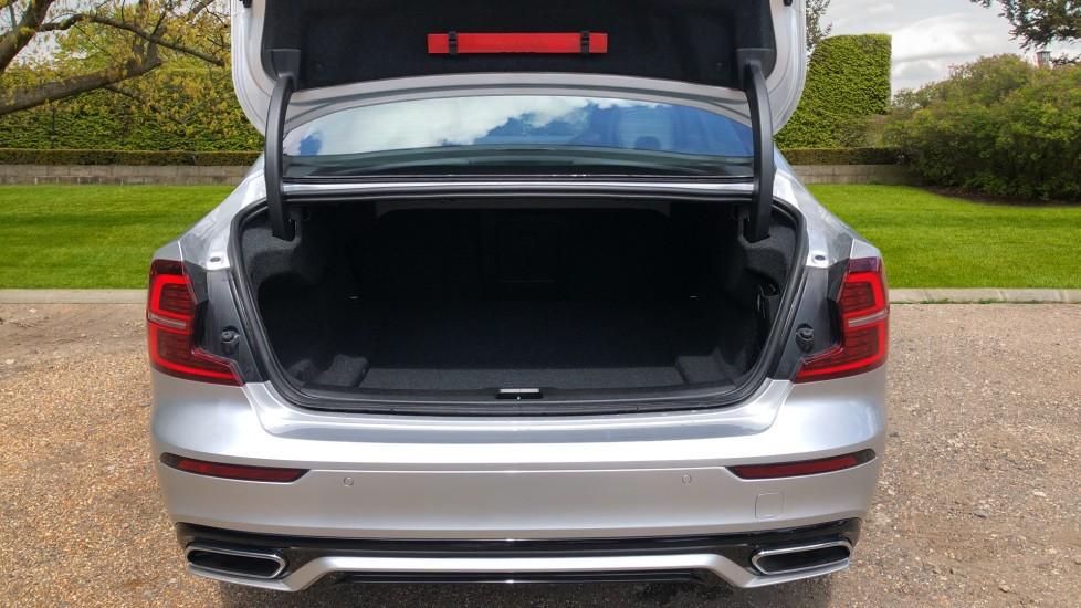 Volvo S60 T5 R Design Plus Auto, Winter Pack, Active Bending Headlights, Nav, F & R Sensors image 16
