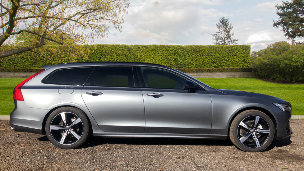 Volvo V90 T4 R Design Plus Auto, Winter Pack, Head Up Display, Active Bend Lights, 360 Camera, BLIS image 2