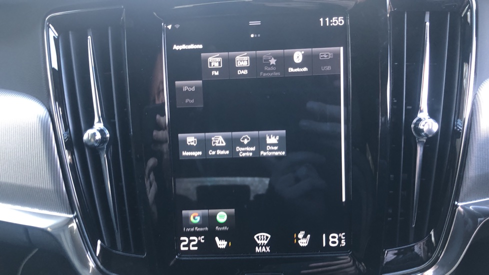 Volvo V90 T4 R Design Plus Auto, Winter Pack, Head Up Display, Active Bend Lights, 360 Camera, BLIS image 24