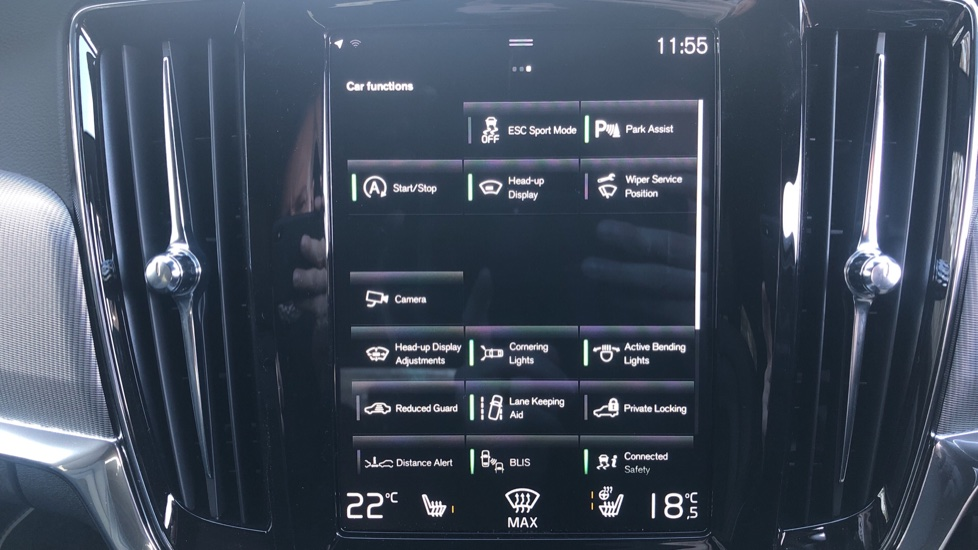 Volvo V90 T4 R Design Plus Auto, Winter Pack, Head Up Display, Active Bend Lights, 360 Camera, BLIS image 25