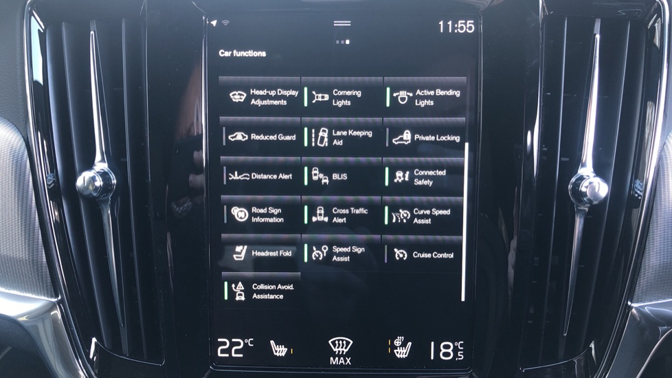 Volvo V90 T4 R Design Plus Auto, Winter Pack, Head Up Display, Active Bend Lights, 360 Camera, BLIS image 26