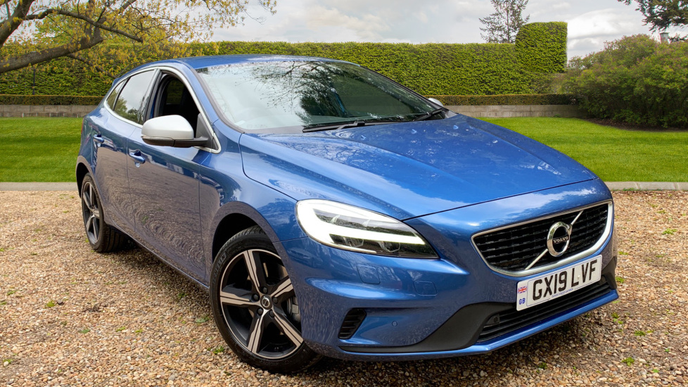 Volvo V40 D3 R Design Edition Manual W. Winter Pack, Sensus Nav, Front & Rear Park Assist 2.0 Diesel 5 door Hatchback (2019) image