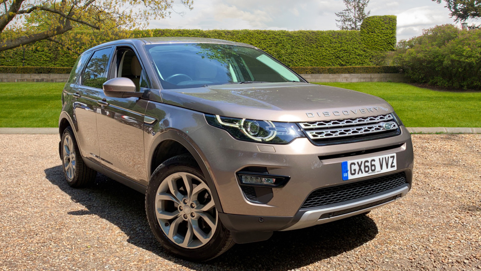 Land Rover Discovery Sport 2.0 TD4 HSE With. Panoramic Sunroof, Sat Nav, Active Headlights, Front & Rear Park Assist Diesel Automatic 5 door 4x4 (2016) image