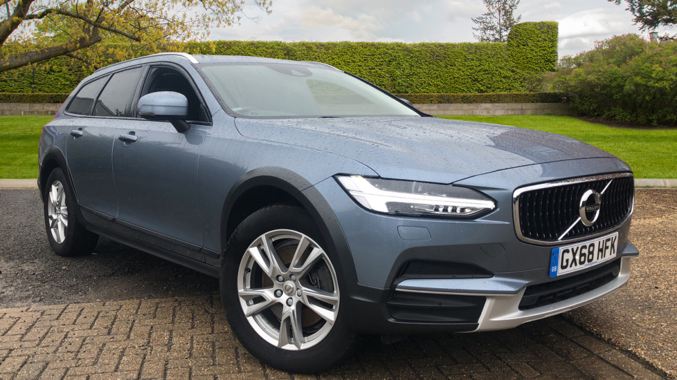 Volvo V90 2.0 D4 Cross Country AWD Auto, Nav, Winter Pack, Privacy Glass, Adaptive Cruise Control Diesel Automatic 5 door Estate (2018) image