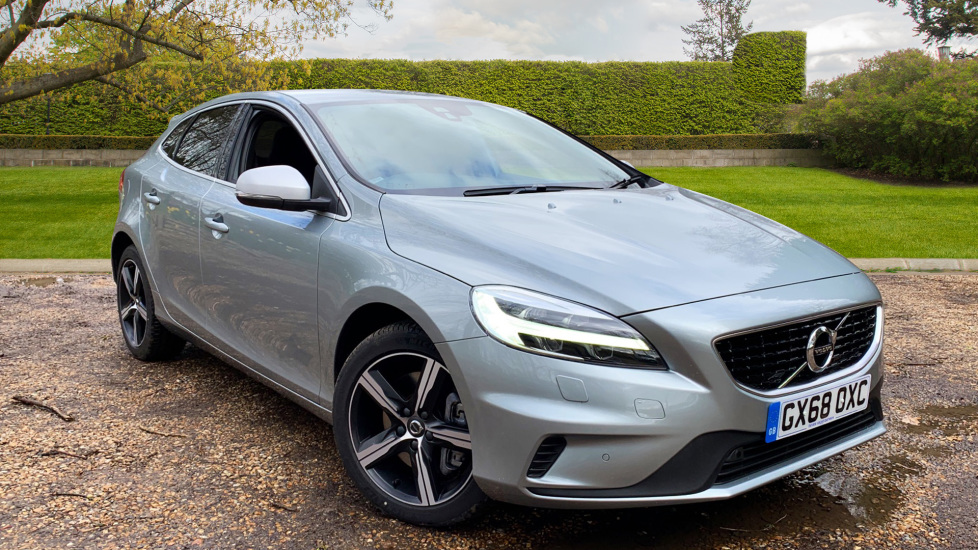 Volvo V40 T3 R Design Nav Plus Auto with Winter Pack, Rear Parking Camera & Privacy Glass 1.5 Automatic 5 door Hatchback (2018)