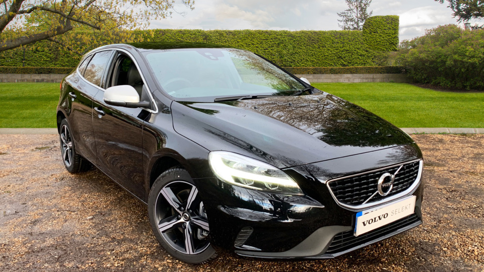 Volvo V40 T2 R Design W. Nav Plus, Winter Pack, Rear Parking Camera & Dark Tinted Windows 1.5 5 door Hatchback (2018) image