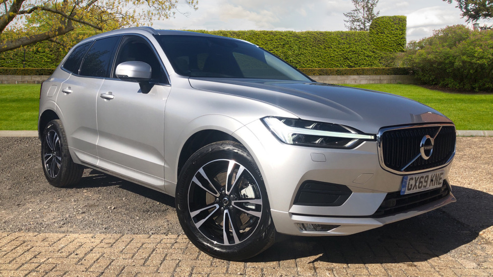Volvo XC60 2.0 D4 Momentum Pro Auto, Family Pk, Heated Screen, Rr Camera, Tints & 19 Inch Wheels. Diesel Automatic 5 door Estate (2019) image