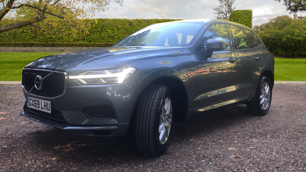 Volvo XC60 2.0 D4 Momentum Auto with Winter Pk, Convenience Pk, and Family Pk. image 3