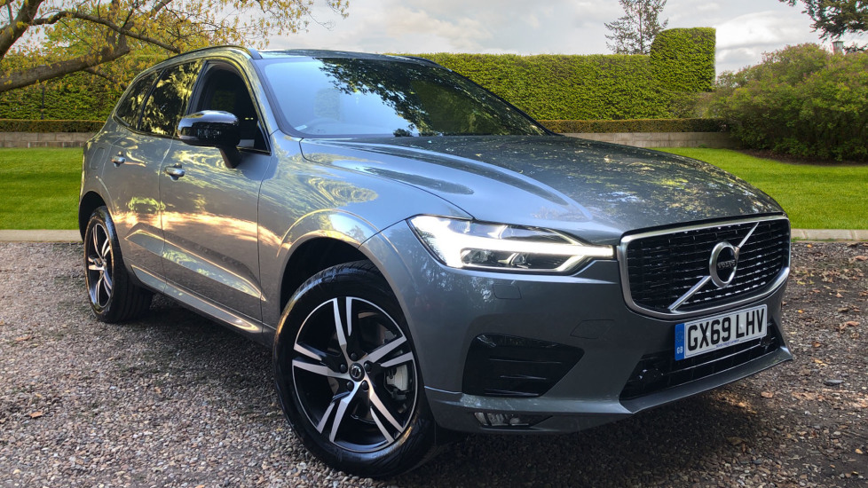Volvo XC60 2.0 T5 R Design AWD Auto with Winter Pack, Lane Keeping Aid & Privacy Glass. Automatic 5 door 4x4 (2019) image