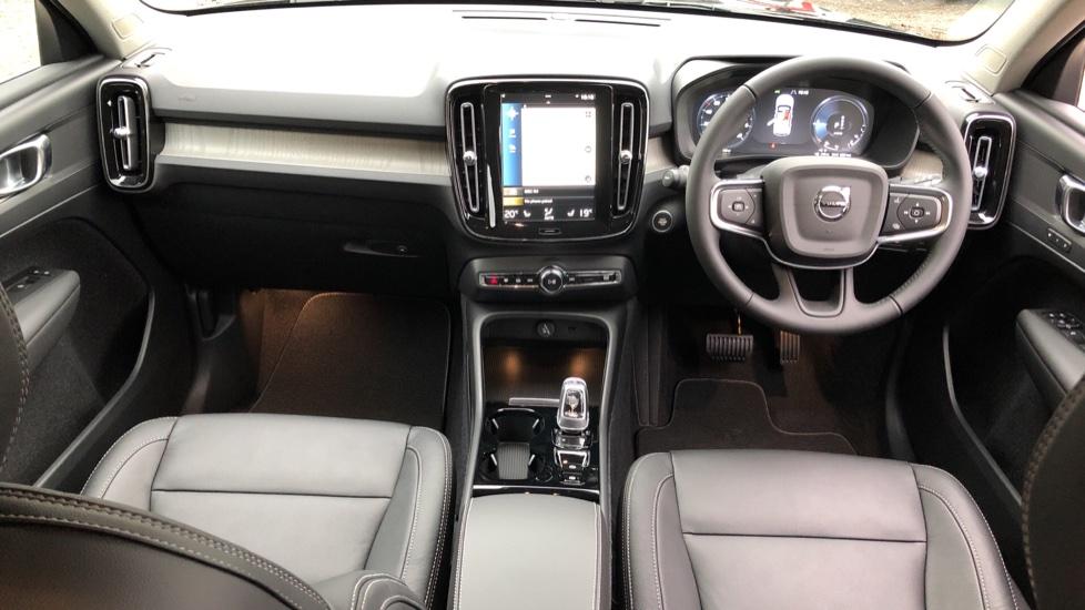 Volvo XC40 T5 Recharge PHEV Inscription Auto, Nav, Climate & Versatility Packs, Heated Screen, Keyless Drive image 8