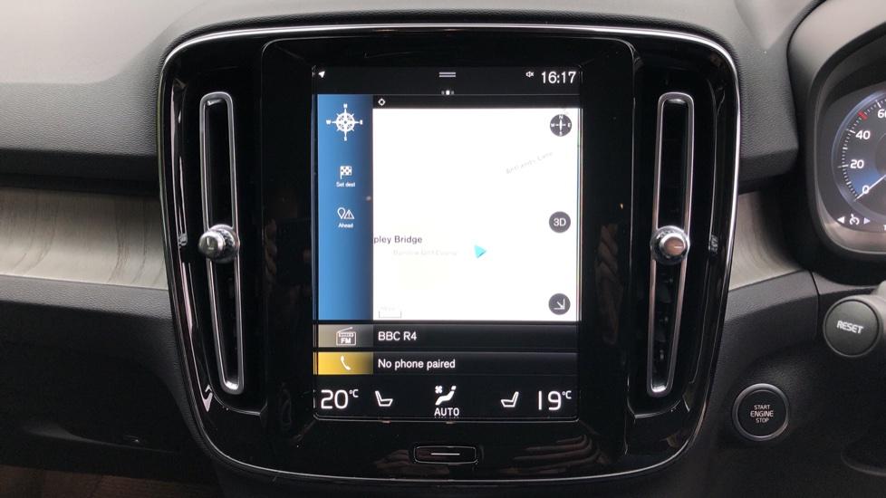 Volvo XC40 T5 Recharge PHEV Inscription Auto, Nav, Climate & Versatility Packs, Heated Screen, Keyless Drive image 5