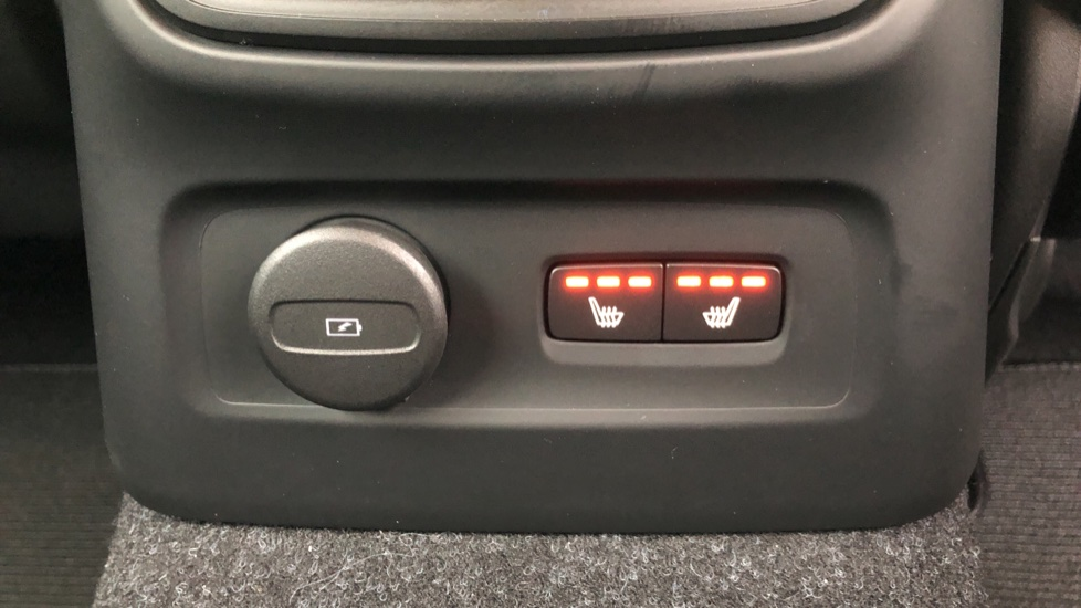 Volvo XC40 T5 Recharge PHEV Inscription Auto, Nav, Climate & Versatility Packs, Heated Screen, Keyless Drive image 18
