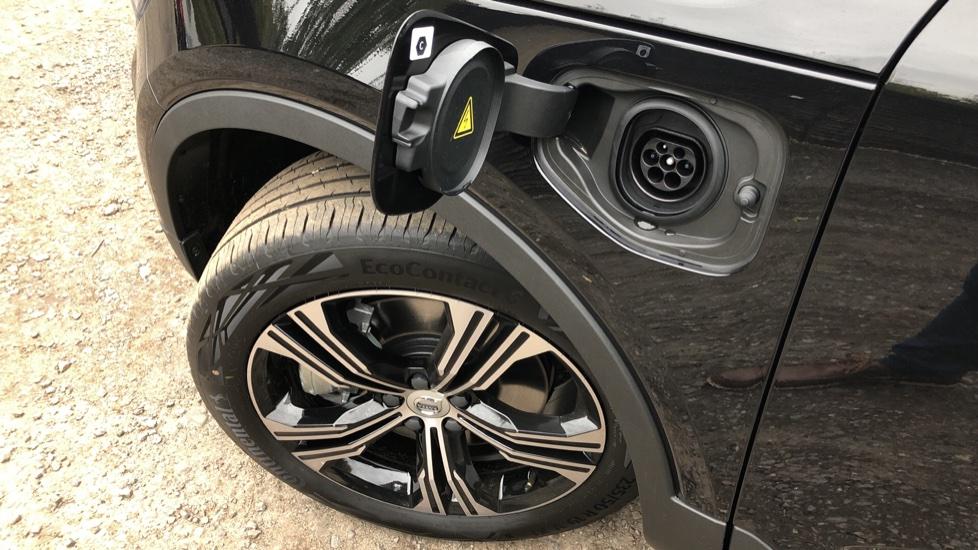 Volvo XC40 T5 Recharge PHEV Inscription Auto, Nav, Climate & Versatility Packs, Heated Screen, Keyless Drive image 20