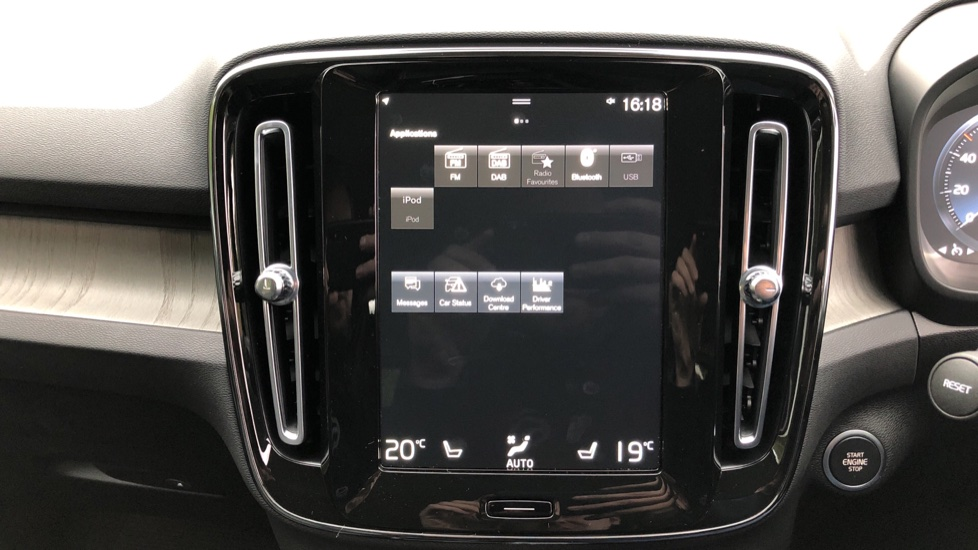 Volvo XC40 T5 Recharge PHEV Inscription Auto, Nav, Climate & Versatility Packs, Heated Screen, Keyless Drive image 29