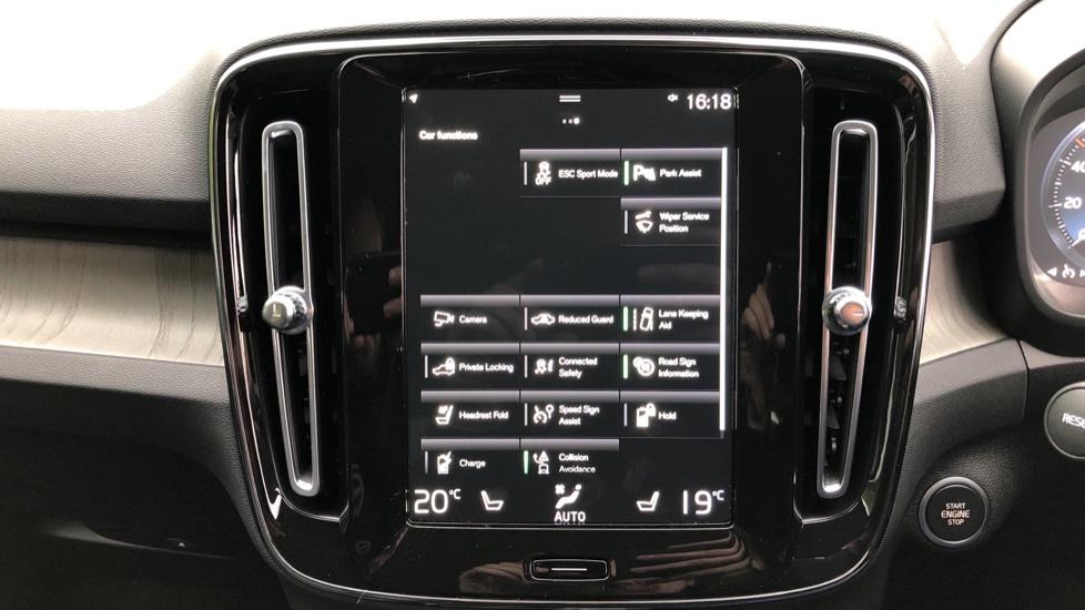 Volvo XC40 T5 Recharge PHEV Inscription Auto, Nav, Climate & Versatility Packs, Heated Screen, Keyless Drive image 30