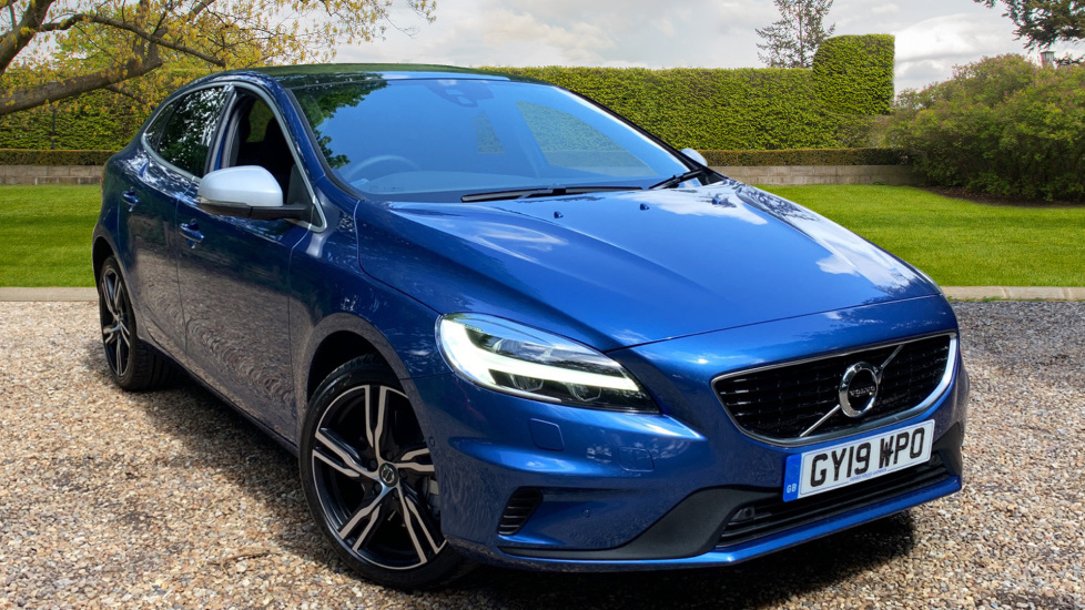 Volvo V40 T3 R Design Edition Auto W. Volvo On Call, Harmon Kardon, Front & Rear Park Assist 1.5 Automatic 5 door Hatchback (2019) at Volvo Gatwick thumbnail image