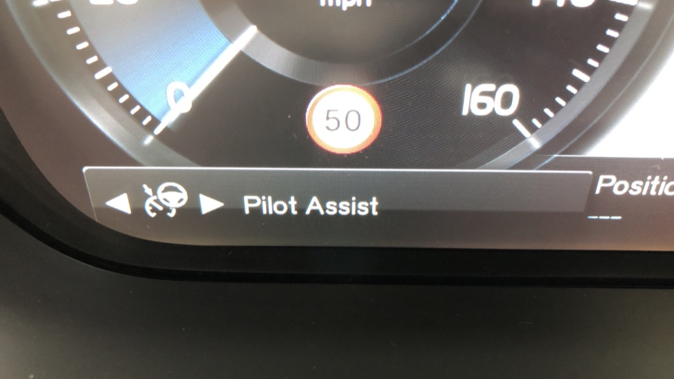 Volvo V90 2.0 T4 R Design Plus AT, Winter Pack, Intellisafe Surround with BLIS, 360 Cam, 3 Pin Socket image 16