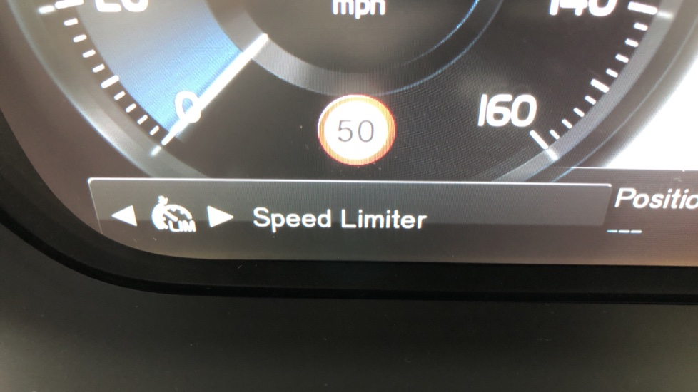 Volvo V90 2.0 T4 R Design Plus AT, Winter Pack, Intellisafe Surround with BLIS, 360 Cam, 3 Pin Socket image 21