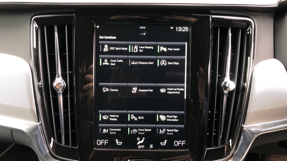 Volvo V90 2.0 T4 R Design Plus AT, Winter Pack, Intellisafe Surround with BLIS, 360 Cam, 3 Pin Socket image 22