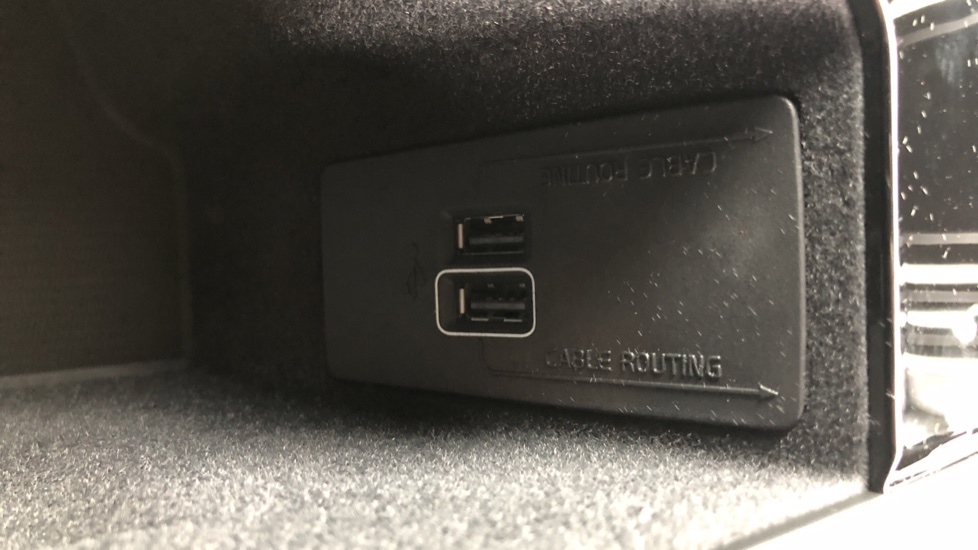 Volvo V90 2.0 T4 R Design Plus AT, Winter Pack, Intellisafe Surround with BLIS, 360 Cam, 3 Pin Socket image 24