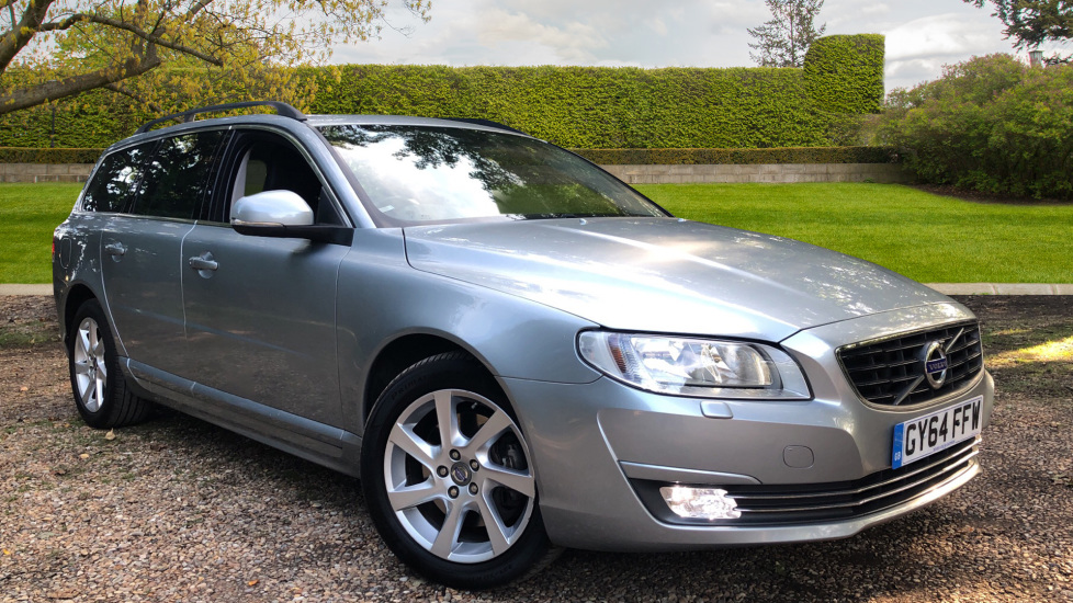 Volvo V70 D3 [136] SE Nav Manual with Winter Pack, Sensus High Performance Sound & Tempa Spare Wheel. 2.0 Diesel 5 door Estate (2014) image