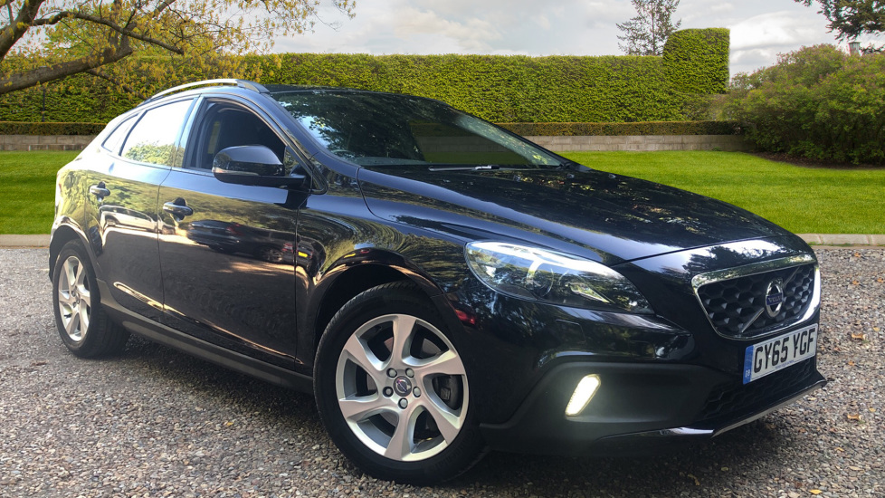 Volvo V40 D2 Cross Country Lux Nav Auto Lux Winter Pk, DAB Radio, Flexible Load Floor & Tempa Spare Wheel 2.0 Diesel Automatic 5 door Hatchback (2015) image
