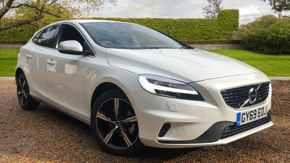 Volvo V40 D2 R Design Pro Edition Manual, Bending Lights, F+R Sensors, Rev Cam, DAB Radio 2.0 Diesel 5 door Hatchback (2019) image