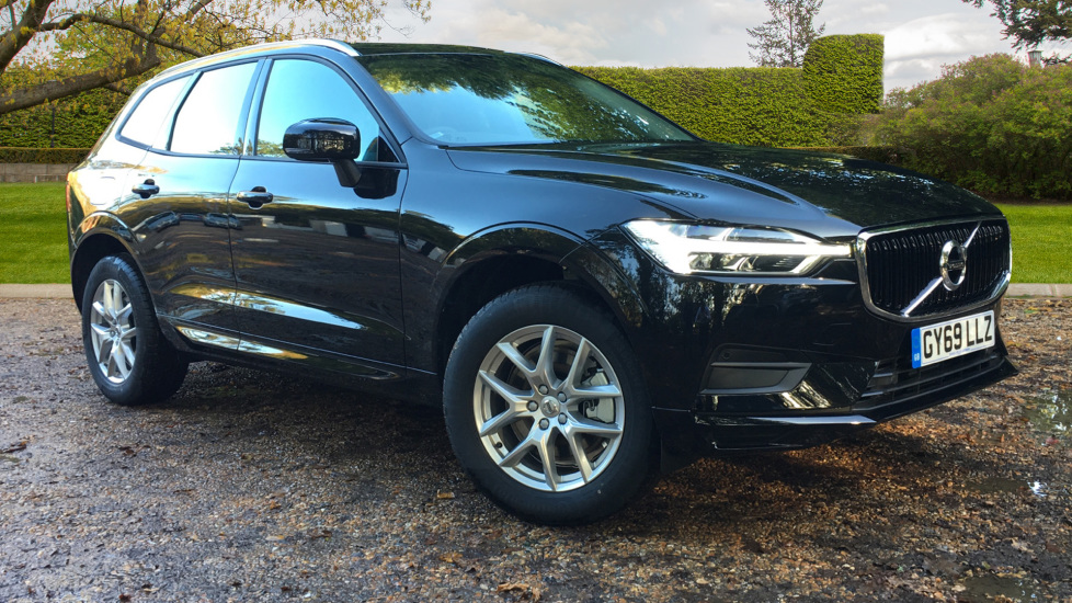 Volvo XC60 2.0 D4 Momentum Auto, Nav, Family, Winter & Convenience Pks, Heated Seats, Keyless Drive Diesel Automatic 5 door Estate (2020) image
