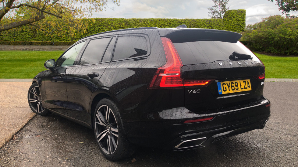 Volvo V60 2.0 T5 R Design Pro Auto, Intellisafe Pro, Harman Kardon, S/Phone Int, 360 Cam, Convenience Pk  image 4