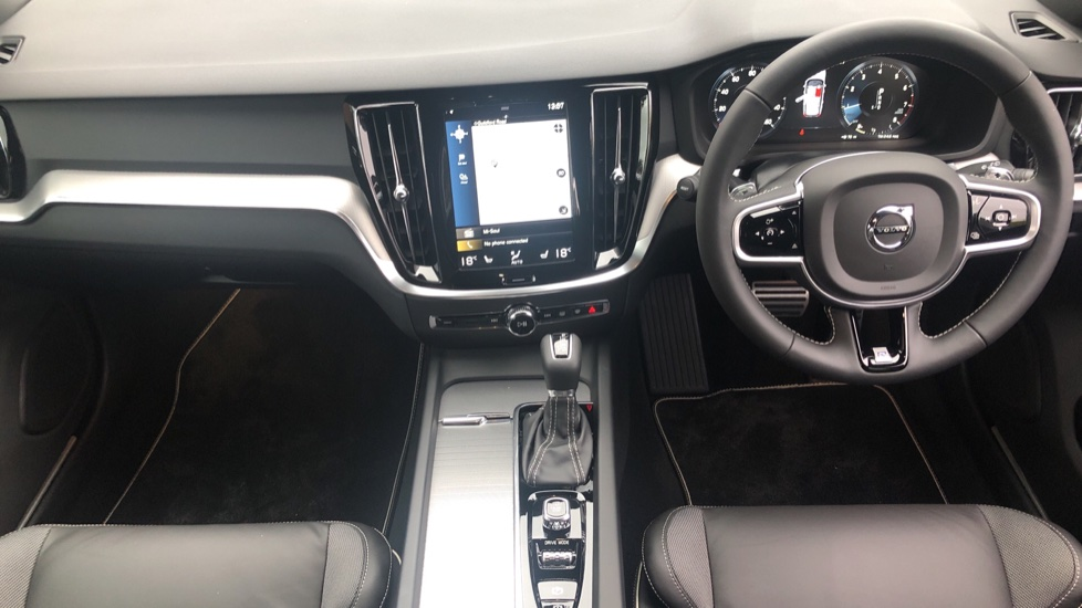 Volvo V60 2.0 T5 R Design Pro Auto, Intellisafe Pro, Harman Kardon, S/Phone Int, 360 Cam, Convenience Pk  image 24