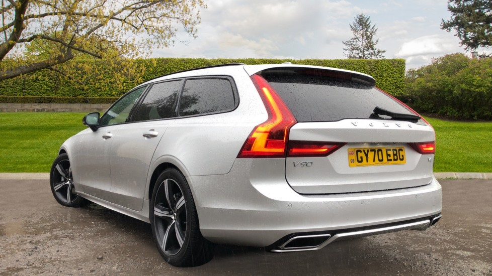 Volvo V90 T4 R Design Plus Auto, Nav, Winter Pack, Heated Screen, Active Bending Lights, DAB, Keyless Drive image 4