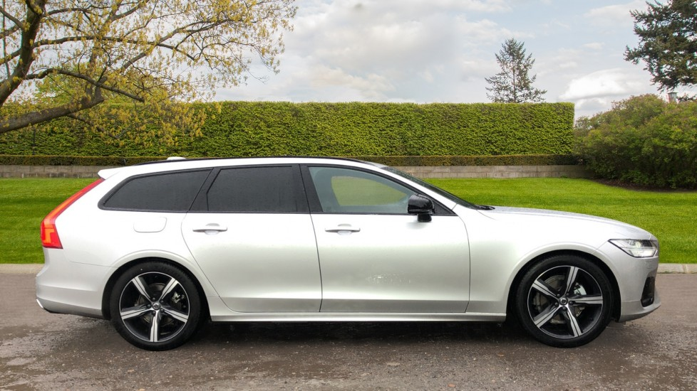 Volvo V90 T4 R Design Plus Auto, Nav, Winter Pack, Heated Screen, Active Bending Lights, DAB, Keyless Drive image 2