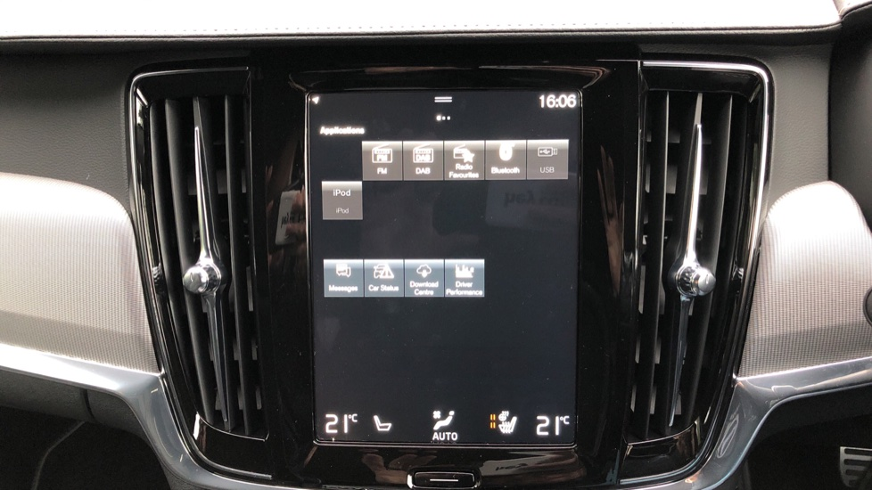 Volvo V90 T4 R Design Plus Auto, Nav, Winter Pack, Heated Screen, Active Bending Lights, DAB, Keyless Drive image 23