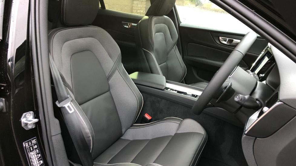 Volvo V60 D3 R Design Plus Auto,Nav, Xenium & Winter Packs, Sunroof, 360 Camera, Heated Screen, BLIS image 20