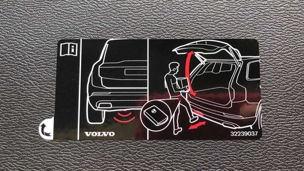 Volvo V60 D3 R Design Plus Auto,Nav, Xenium & Winter Packs, Sunroof, 360 Camera, Heated Screen, BLIS image 30