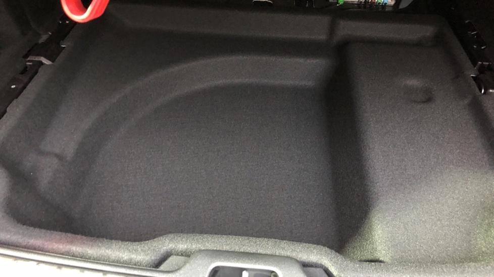 Volvo V60 D3 R Design Plus Auto,Nav, Xenium & Winter Packs, Sunroof, 360 Camera, Heated Screen, BLIS image 34