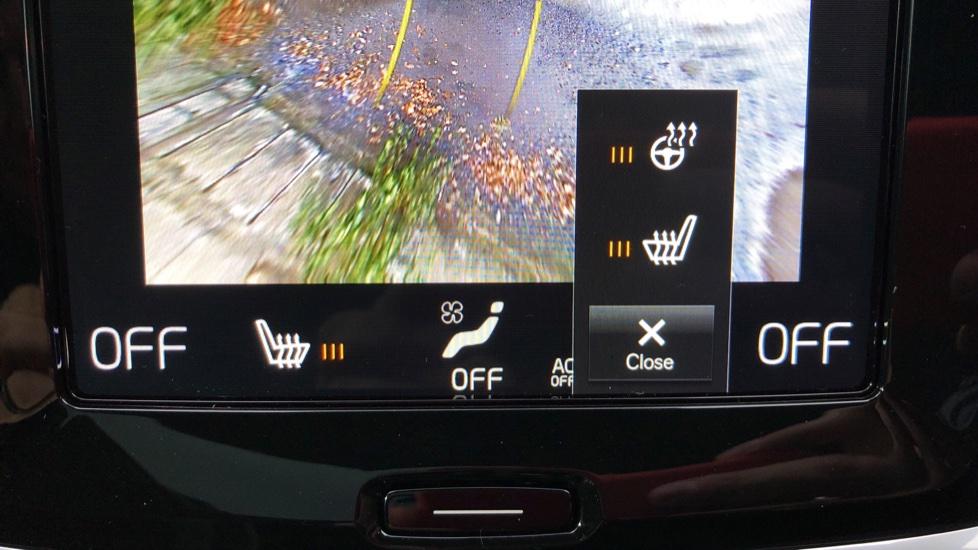 Volvo V60 D3 R Design Plus Auto,Nav, Xenium & Winter Packs, Sunroof, 360 Camera, Heated Screen, BLIS image 19
