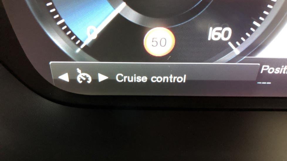 Volvo V60 D3 R Design Plus Auto,Nav, Xenium & Winter Packs, Sunroof, 360 Camera, Heated Screen, BLIS image 14