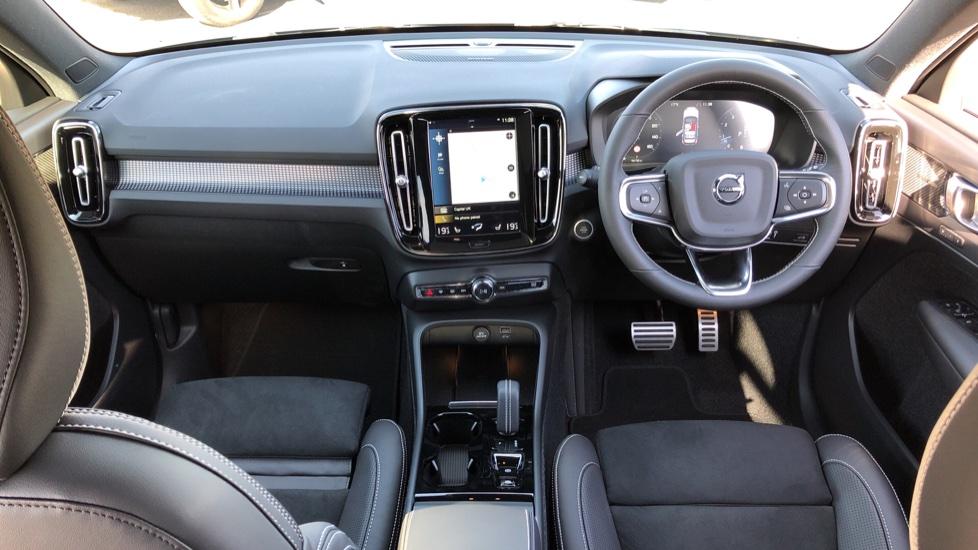 Volvo XC40 B4P Mild Hybrid R Design Pro Auto, Lounge, Climate, Versatility & Driver Assist Packs, Sunroof image 12