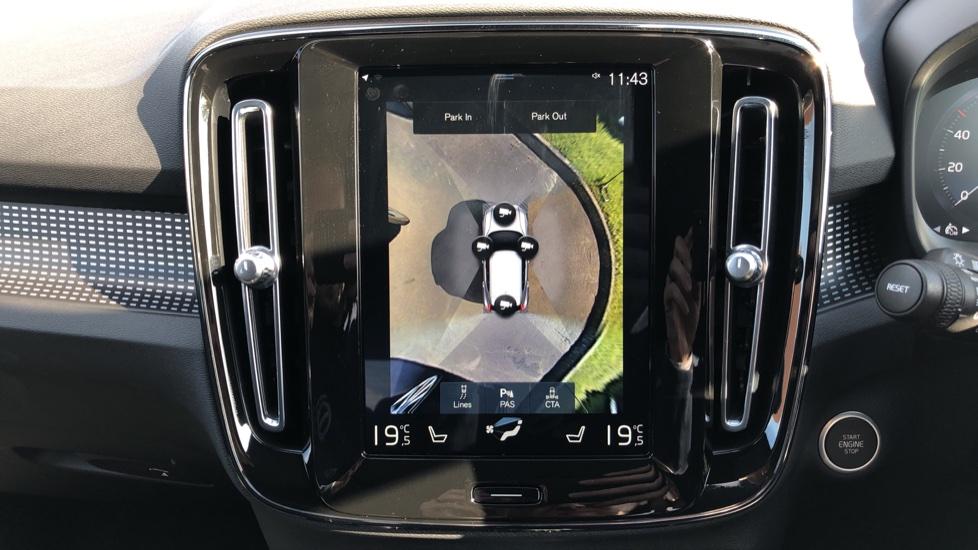 Volvo XC40 B4P Mild Hybrid R Design Pro Auto, Lounge, Climate, Versatility & Driver Assist Packs, Sunroof image 7