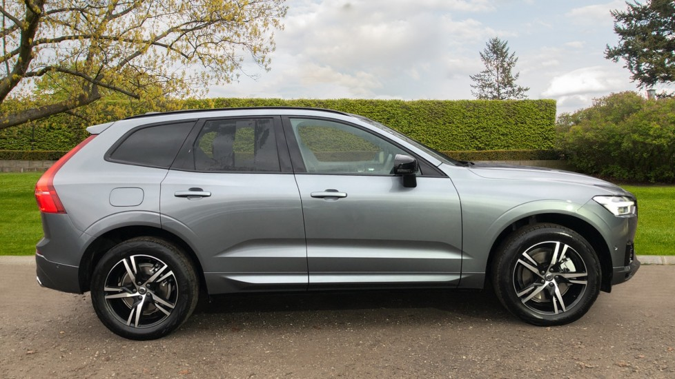 Volvo XC60 T6 Recharge PHEV R Design AWD Auto, Lounge, Climate & Driver Assist Packs, Sunroof, 360 Camera image 2