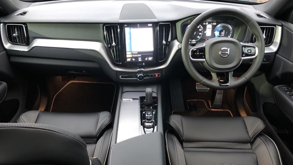 Volvo XC60 T6 Recharge PHEV R Design AWD Auto, Lounge, Climate & Driver Assist Packs, Sunroof, 360 Camera image 9