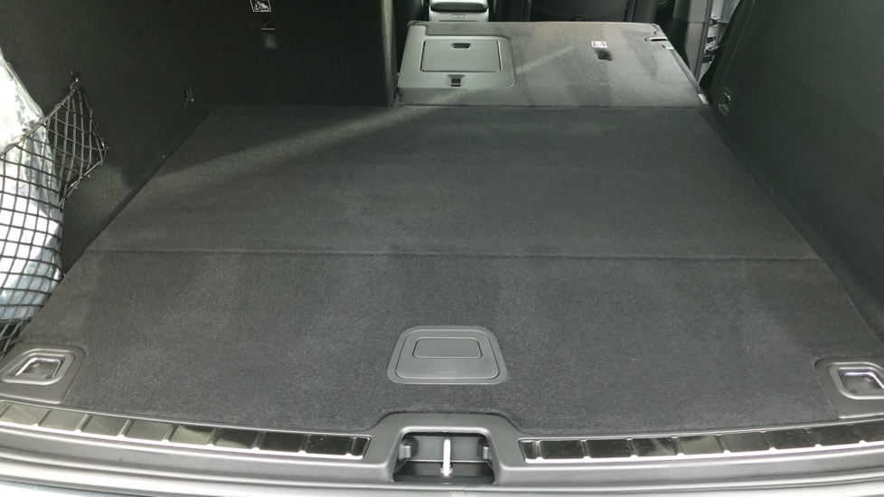 Volvo XC60 T6 Recharge PHEV R Design AWD Auto, Lounge, Climate & Driver Assist Packs, Sunroof, 360 Camera image 33