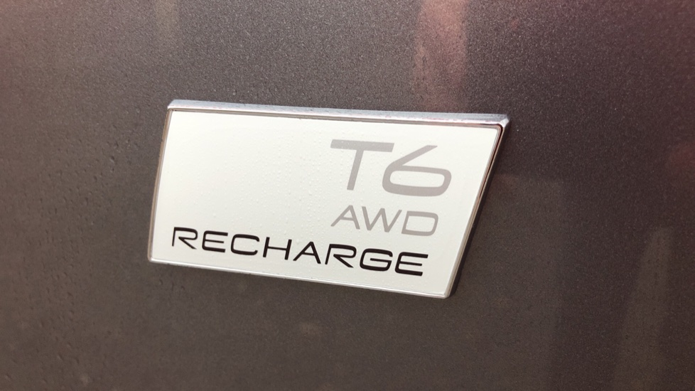 Volvo XC60 T6 Recharge PHEV R Design AWD Auto, Lounge, Climate & Driver Assist Packs, Sunroof, 360 Camera image 36