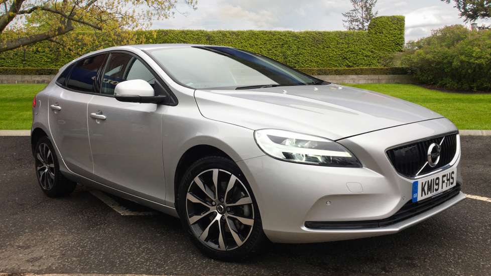 Volvo V40 T2 Momentum Edition MT, Winter Pk, IntelliPro, Sensus Connect, R.Camera, F & R Sensors & Tints 2.0 5 door Hatchback (2019)