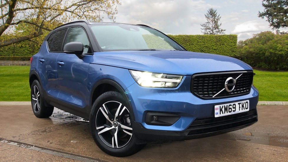 Volvo XC40 D3 R Design AWD Auto, Nav, Winter & Convenience Packs, Heated Screen & Seats, Keyless Drive 2.0 Diesel Automatic 5 door 4x4 (2019) image