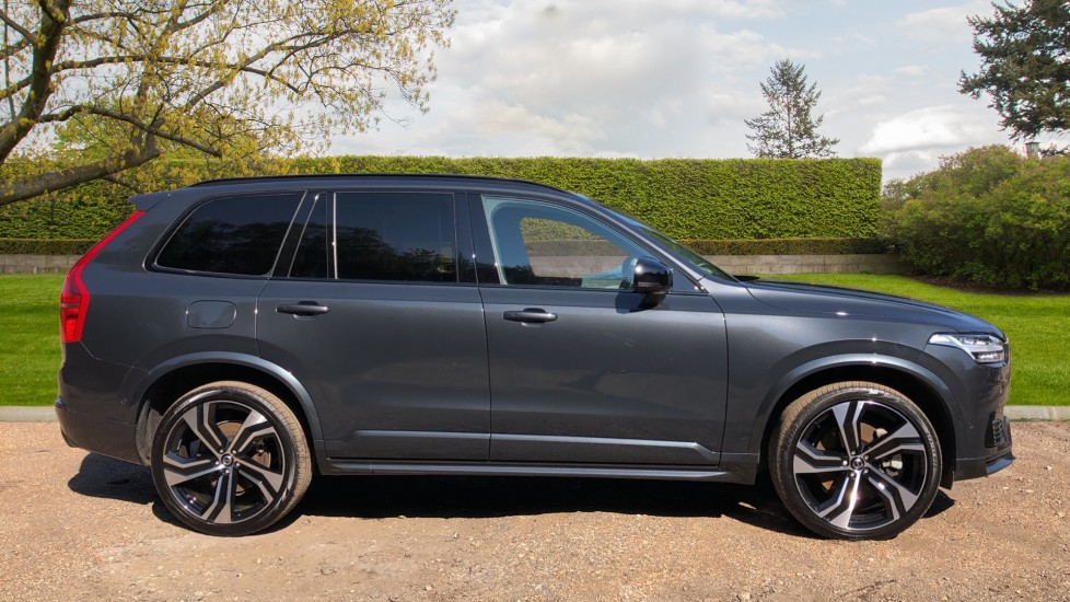 Volvo XC90 T8 Hybrid R Design Pro AWD Auto, Xenium Pack, Sunroof, 360 Camera, BLIS, CarPlay, DAB Radio image 2
